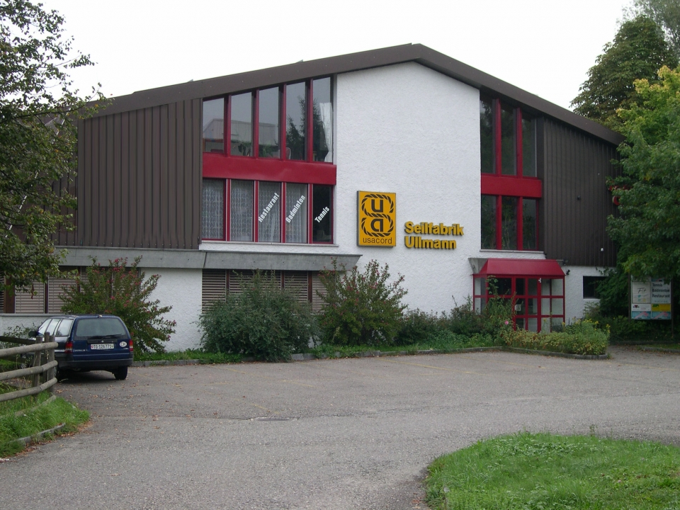 Tennis- Badmintoncenter Ullmann Halle